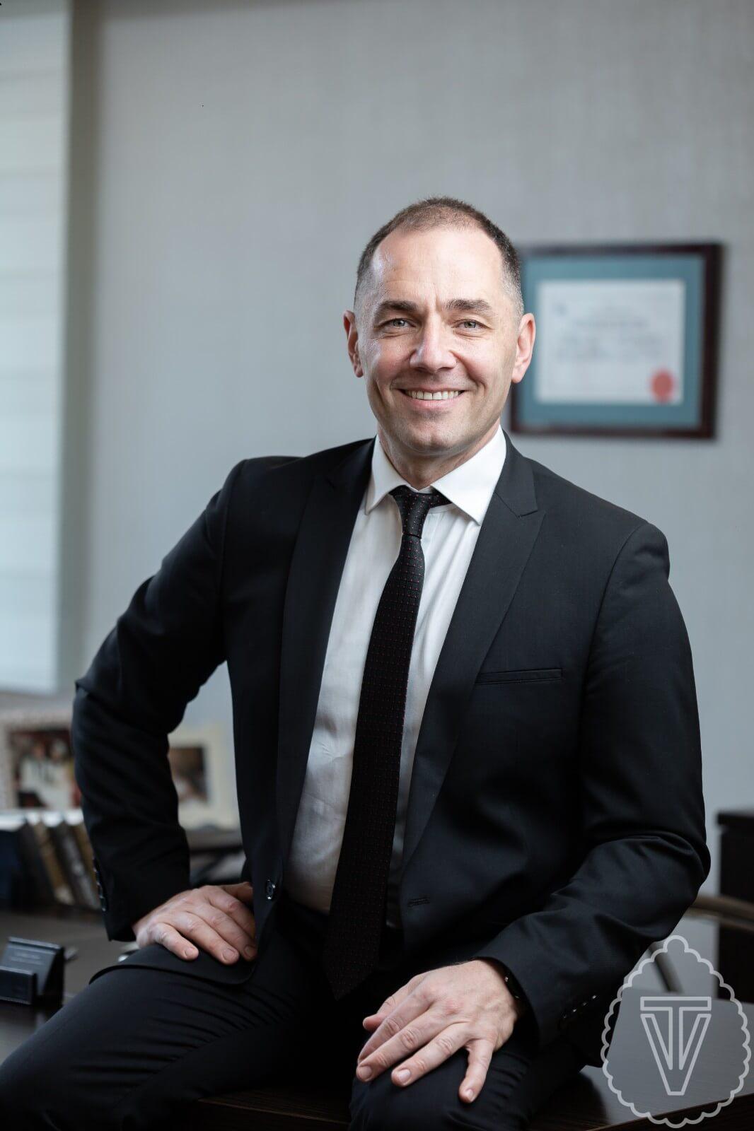 Dr. Volkan Tayfur - Estetik Plastik Cerrahi Uzmanı